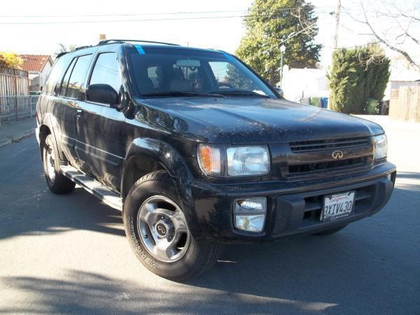 1998 INFINITI QX4 black this is a black 1998 infiniti qx4 4 door wagon automatic v6 33l 4wd car