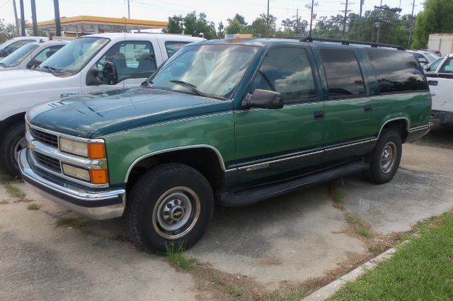 1997 chevrolet suburban c2500 2wd for sale in slidell. Black Bedroom Furniture Sets. Home Design Ideas