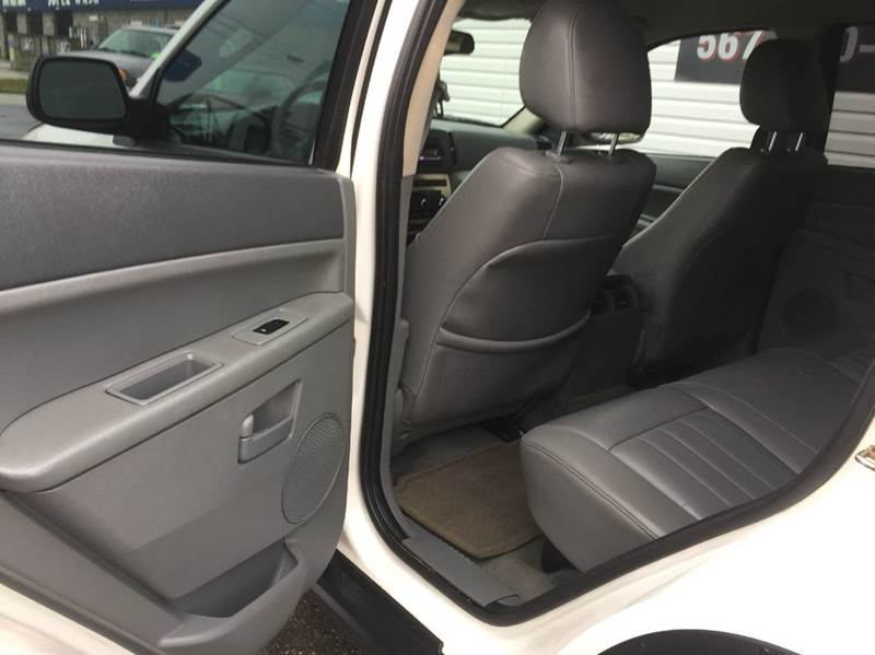 2006 Jeep Grand Cherokee Laredo 4dr SUV 4WD - Celina OH