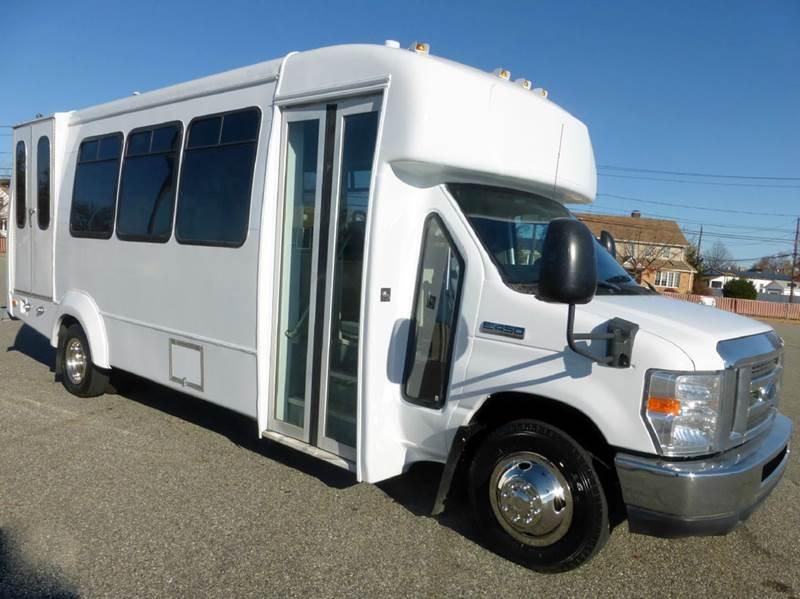 2011 Ford E 450 Wheelchair Shuttle Bus In Westbury Ny