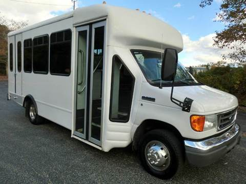 2006 Ford E-450 for sale in Westbury NY