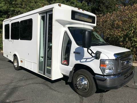 2013 Ford E-450 for sale in Westbury, NY
