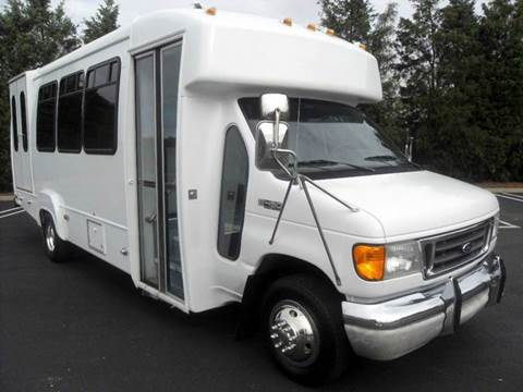 2003 Ford E-450 for sale in Westbury NY