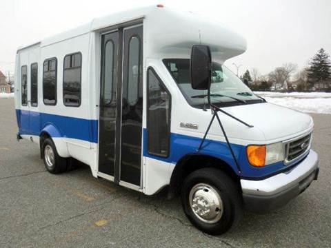 2006 Ford E-350 for sale in Westbury, NY