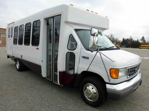 2005 Ford E-450 for sale in Westbury, NY