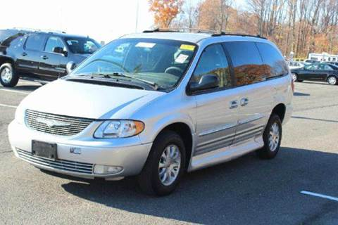2002 Chrysler Town and Country for sale in Westbury NY