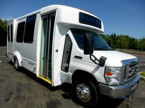 2010 Ford E-450 for sale in Westbury, NY