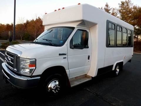 2010 Ford E350 Diamond for sale in Westbury NY