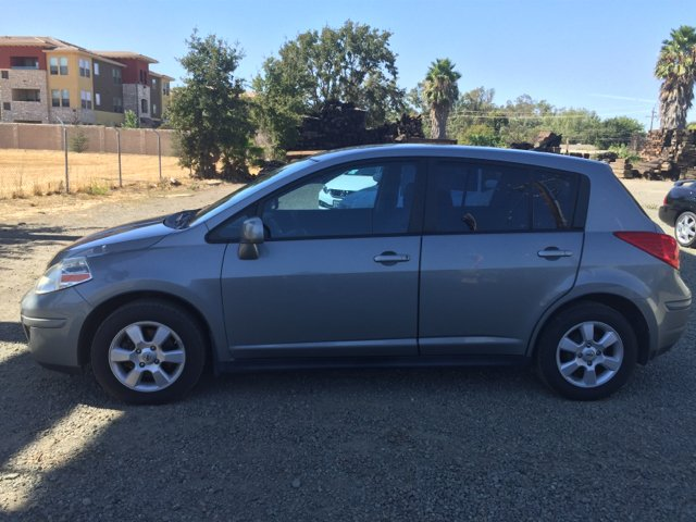 2007 nissan versa 1 8 sl 4dr hatchback 1 8l i4 cvt in vacaville ca quintero 39 s auto sales. Black Bedroom Furniture Sets. Home Design Ideas