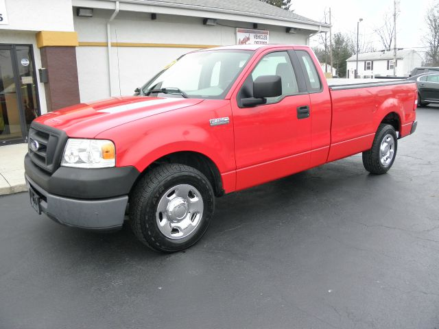 2006 ford f 150 xl 2dr regular cab styleside 8 ft lb for sale in cincinnati covington dayton. Black Bedroom Furniture Sets. Home Design Ideas