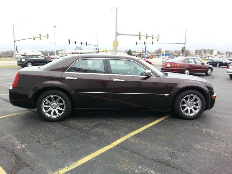 2005 Chrysler 300 C 4dr Sedan - Rochelle IL