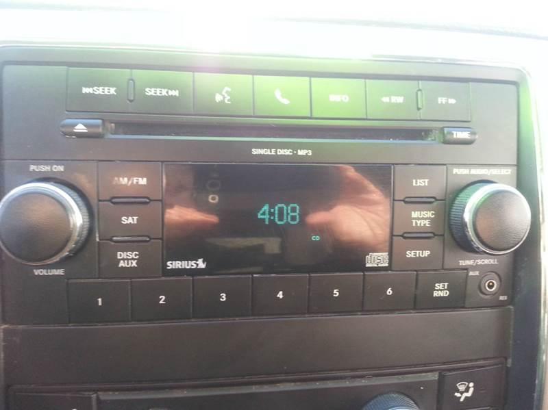 2011 Jeep Grand Cherokee 4x4 Laredo 4dr SUV - Rochelle IL