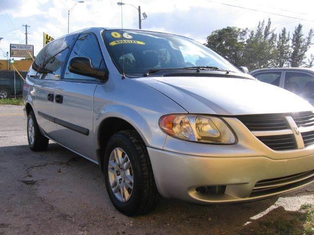 2006 dodge grand caravan se 4dr ext minivan in miami miami. Black Bedroom Furniture Sets. Home Design Ideas