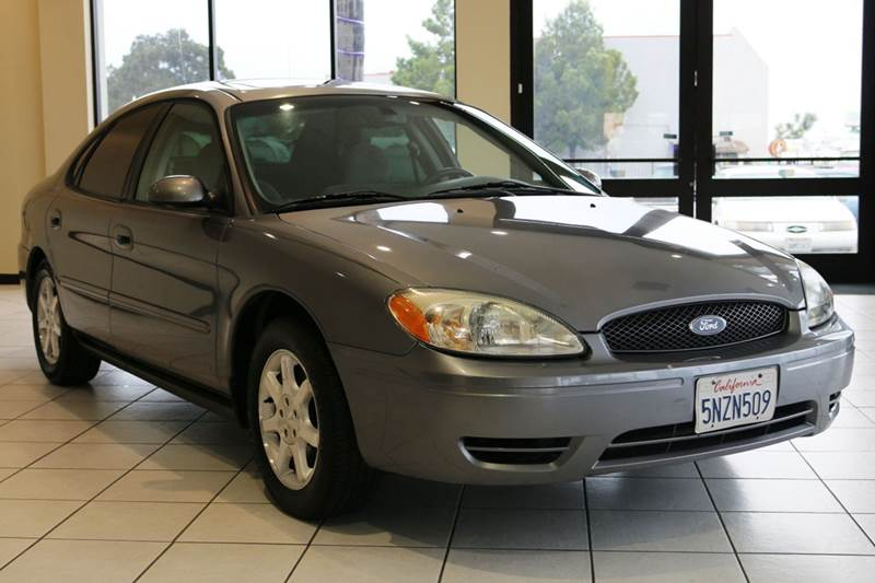2006 FORD TAURUS SEL 4DR SEDAN gray this 2006 ford taurus is in great condition along with the e
