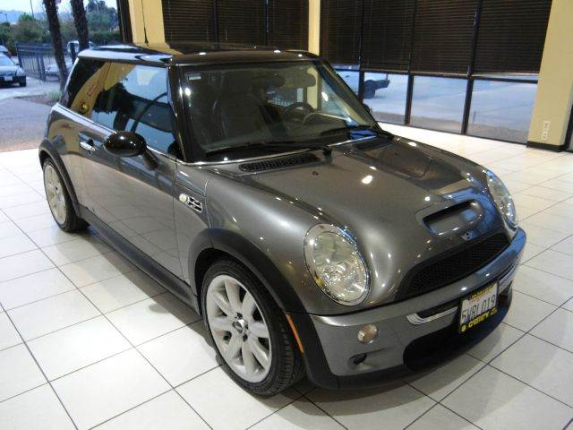 2003 MINI COOPER S 2DR HATCHBACK gray for the price the mini cooper s is a steal the stock susp