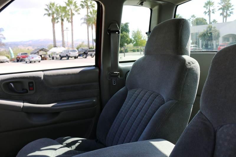 1998 CHEVROLET S-10 LS 2DR EXTENDED CAB STEPSIDE SB red abs - 4-wheel bumper detail - rear step