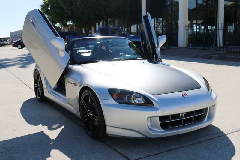 2005 HONDA S2000 BASE 2DR CONVERTIBLE silver this rare 2005 s2000 is in beautiful shape with awe