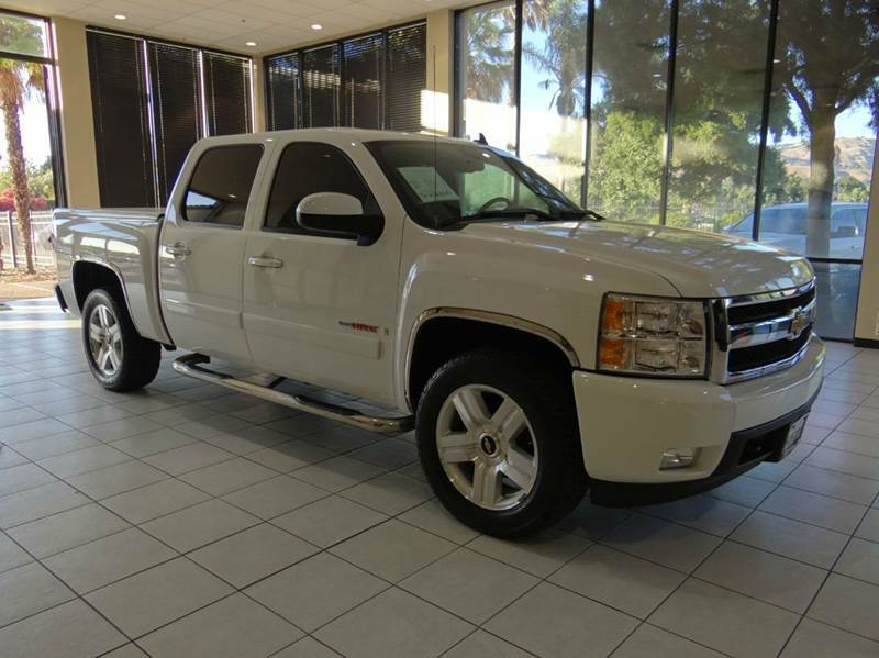 2008 CHEVROLET SILVERADO 1500 LTZ 4DR CREW CAB 4WD white 4wd type - part time w on demand settin