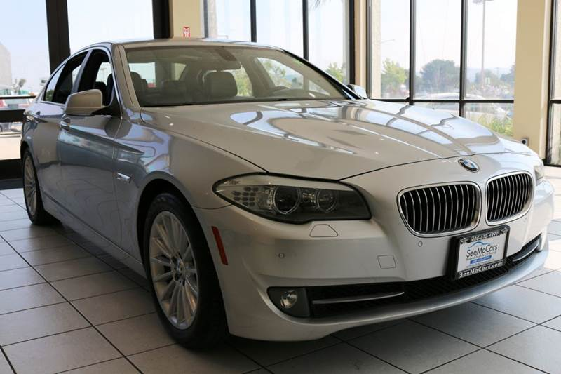 2011 BMW 5 SERIES 535I 4DR SEDAN silver this 2011 bmw 535i with a powerful twin turbo straight 6 e