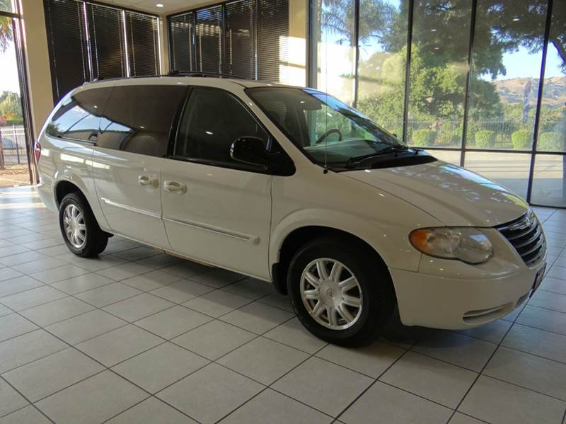 2005 CHRYSLER TOWN AND COUNTRY TOURING 4DR EXTENDED MINI VAN white abs - 4-wheel cassette cente