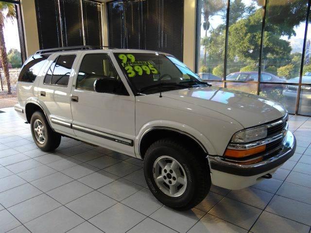 1999 CHEVROLET BLAZER LS 4DR 4WD SUV white abs - 4-wheel cassette cruise control daytime runni