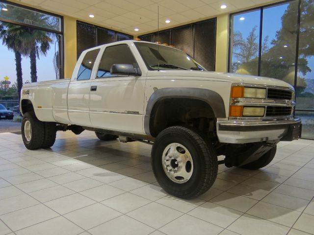 1998 CHEVROLET CK 3500 SERIES K3500 SILVERADO 2DR 4WD EXTENDED white abs - 4-wheel bumper color