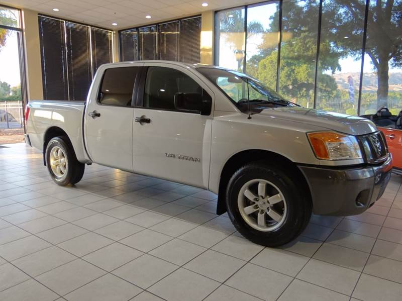 2008 NISSAN TITAN XE 4X2 CREW CAB SHORT BED 4DR 2 silver 2-stage unlocking abs - 4-wheel airba