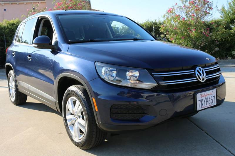2012 VOLKSWAGEN TIGUAN SE 4DR SUV blue 2012 volkswagen tiguan this suv is in great condition and
