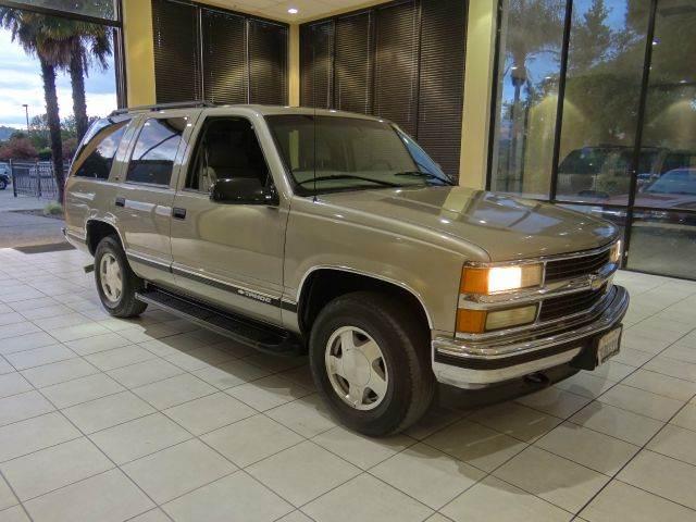 1998 CHEVROLET TAHOE LS 4DR 4WD SUV champagne abs - 4-wheel bumper color - chrome cassette cru