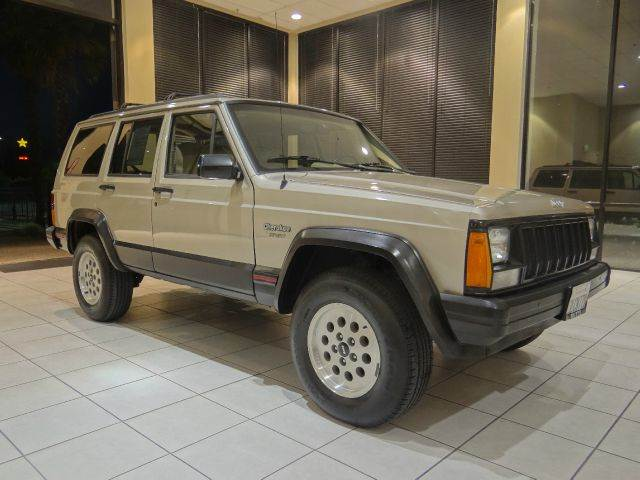 1995 JEEP CHEROKEE SPORT 4DR 4WD SUV gold front airbags - driver side front seat type - bucket