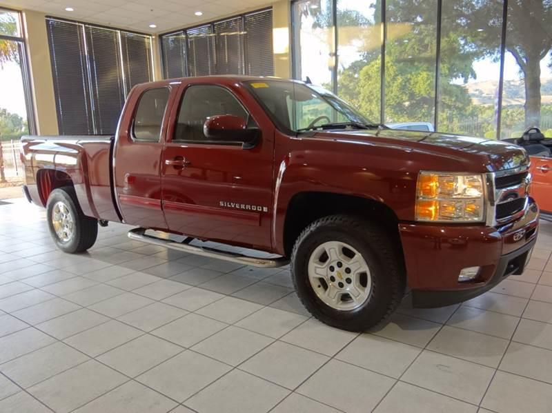 2009 CHEVROLET SILVERADO 1500 LTZ 4X4 4DR EXTENDED CAB 58 FT maroon 4wd type - part time w on
