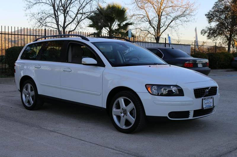 2006 VOLVO V50 T5 AWD 4DR WAGON white abs - 4-wheel active head restraints - dual front air fil