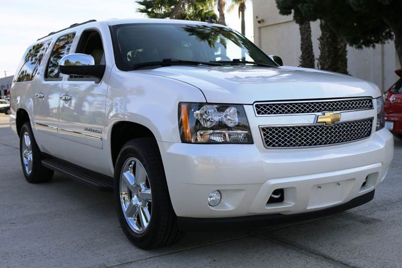 2011 CHEVROLET SUBURBAN LTZ 1500 4X4 4DR SUV white this 2011 chevrolet suburban is in immaculate c