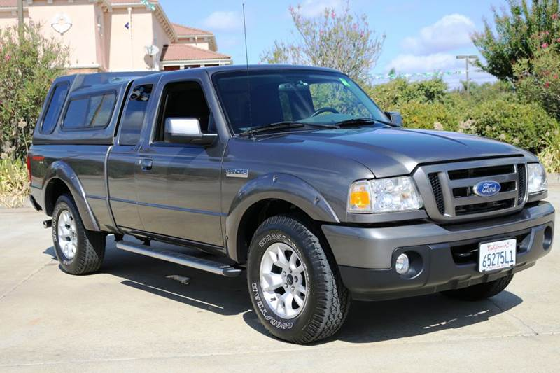 2011 FORD RANGER XLT 4X4 4DR SUPERCAB gray this 2011 ford ranger is a one of a kind with super lo