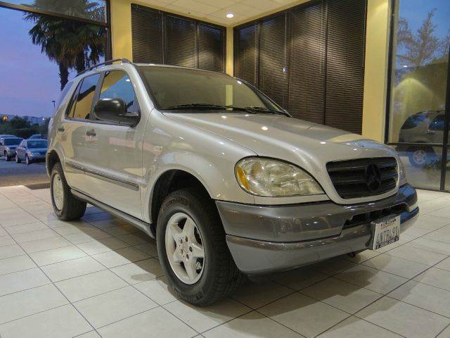 1998 MERCEDES-BENZ M-CLASS ML320 AWD 4DR SUV silver abs - 4-wheel anti-theft system - alarm cas