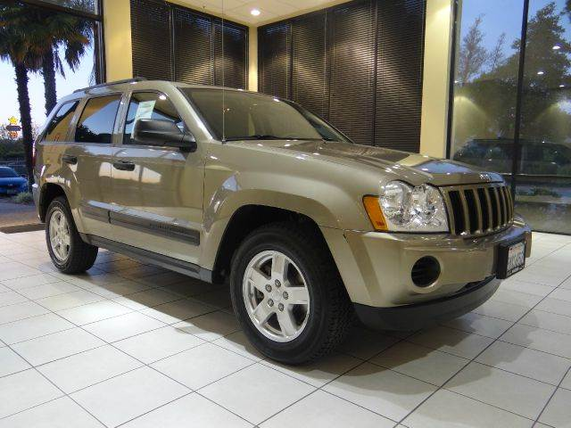 2005 JEEP GRAND CHEROKEE LAREDO 4DR SUV beige abs - 4-wheel axle ratio - 307 center console -