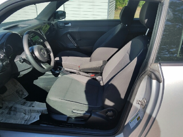 2014 Volkswagen Beetle 1.8T Entry PZEV 2dr Hatchback 6A - Florence SC