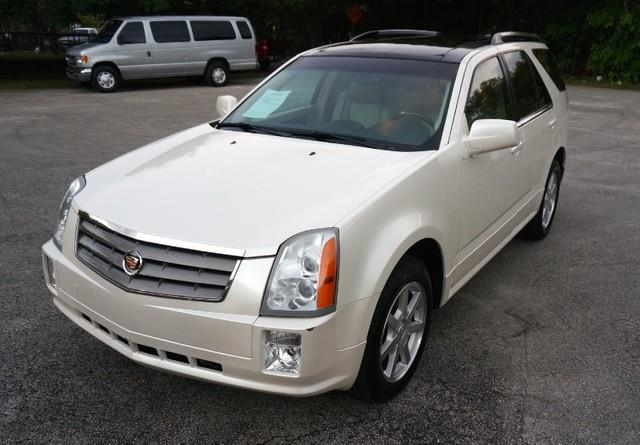 2005 CADILLAC SRX NAVIGATION LEATHER LOADED white diamond imperial capital cars inc is honored