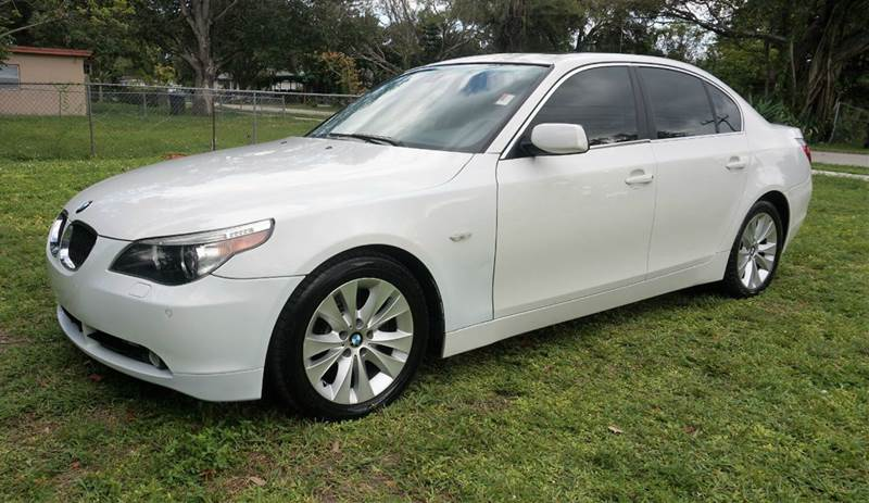 2005 BMW 5 SERIES 545I 4DR SEDAN white call 1-754-210-3703 for sales this vehicle fully loa