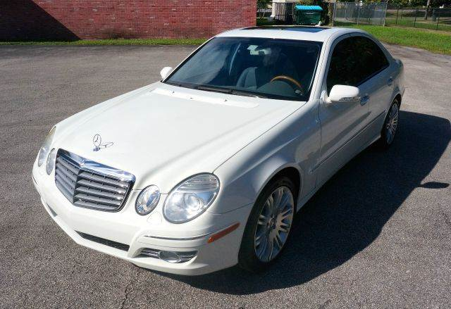 2007 MERCEDES-BENZ E-CLASS E550 4DR SEDAN arctic white city 15hwy 23 55l engine7-speed auto tr