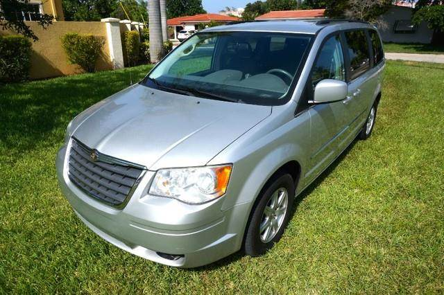 2010 CHRYSLER TOWN AND COUNTRY TOURING 4DR MINI VAN bright silver metallic imperial capital cars