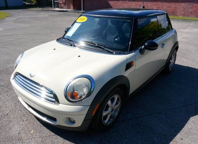 2008 MINI COOPER BASE 2DR HATCHBACK pepper white imperial capital cars is hollywood floridas 1 u
