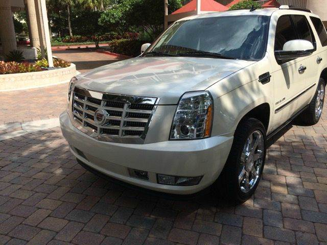 2010 CADILLAC ESCALADE PREMIUM 4DR SUV abs - 4-wheel active head restraints active suspension a