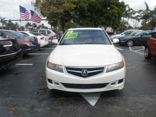 2008 ACURA TSX white this is a great beautiful acua amfm radieo cd player sunroof 4door comfortab