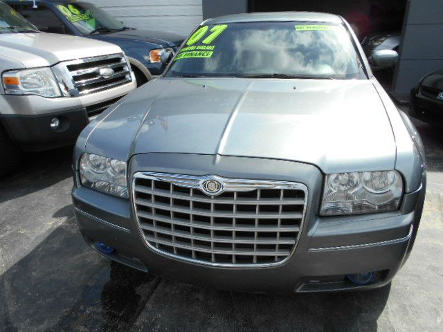 2007 CHRYSLER 300 TOURING silver 300 touring with rear ac leather power seats and chrome rims
