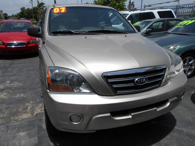 2007 KIA SORENTO LX 2WD gold great family traveler in gold all pwr with plenty of seating for the