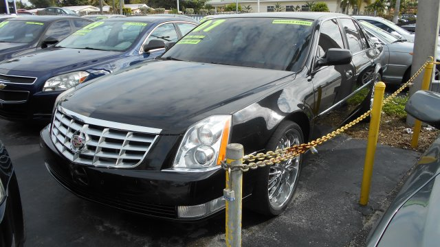 2007 CADILLAC DTS SEDAN black stop shopping and come buy the car that fits you best here at auto w