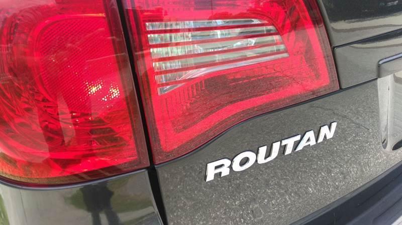 2011 Volkswagen Routan S 4dr Mini Van - Tampa FL