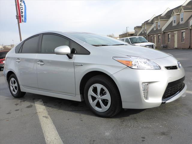 2015 TOYOTA PRIUS TWO 4DR HATCHBACK silver pedestrian alert systemnavigation system with voice r