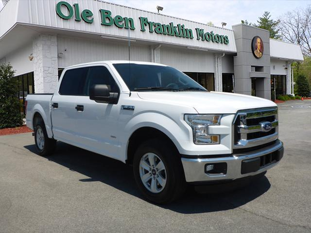 2015 FORD F-150 XLT white number one selling truck in america  available lifetime warranty